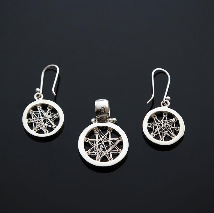 Zilveren Set  Prijs 27,95 Gratis verzending in NL  http://www.dczilverjuwelier.nl/edelstenen-sieraden/edelstenen-sieraden-sets?page=2