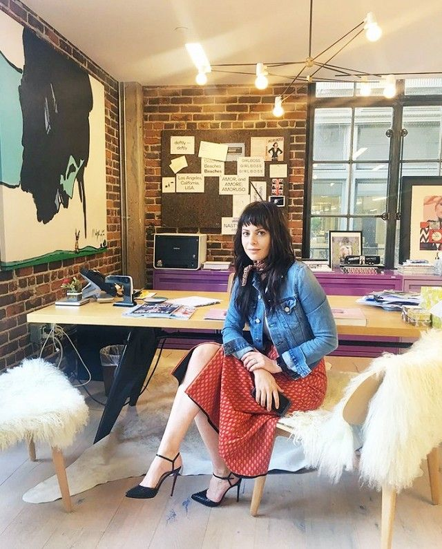 Sophia Amoruso shared her best career tips and favorite Instagram accounts to follow, exclusively to Who What Wear.