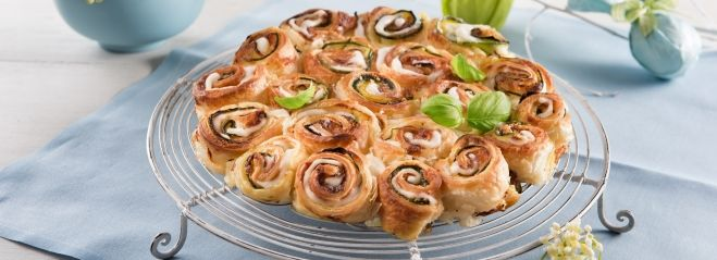 "Recette ""Torta di rose"" met mozzarella, basilicum en courgette"