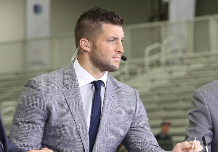 Tim Tebow signs ESPN contract extension = Tim Tebow will continue to be the runaway leader for most recognizable minor league baseball player, and on Monday he ensured his fallback position will be secure as well. The former Heisman Trophy winner and brief NFL starting quarterback signed a multiyear extension with ESPN, according to Sports Illustrated's Richard Deitsch. This will keep him…..