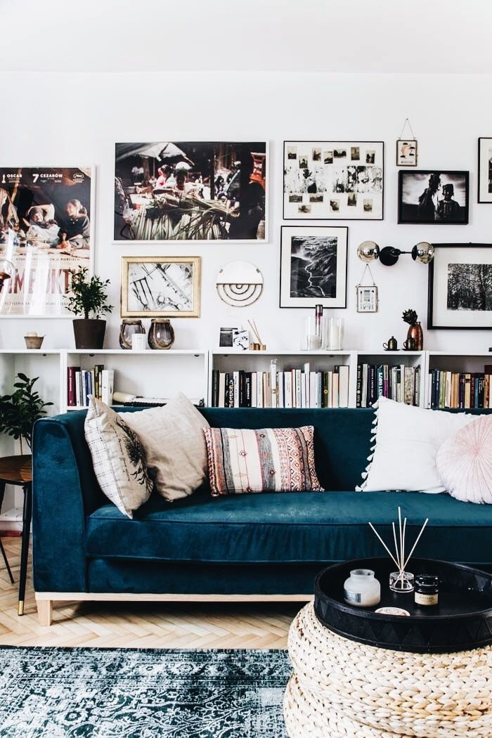 That rug pulls the blue toned couch together