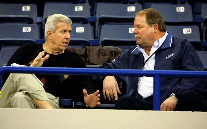 Bill Parcells, Mike Holmgren 2006 Seahawks coach Mike Holmgren and Parcells chat during the NFL combine in Indianapolis.