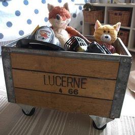 Caisse à jouet en bois pour une chambre #vintage