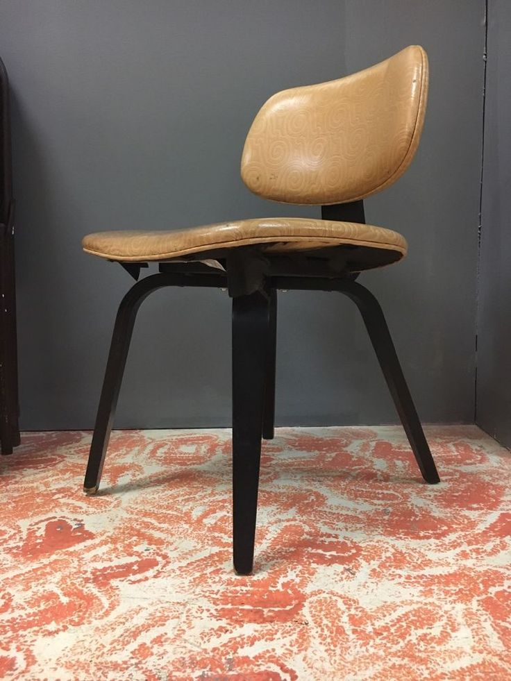 vintage thonet mid century modern bentwood chairs scratch and dent sale curvedwood