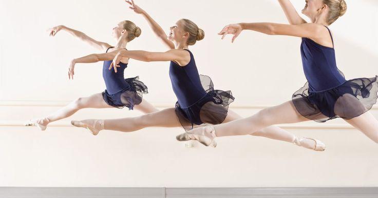 Aquecimentos na dança para aumentar a altura dos seus saltos. Ter os músculos das pernas fortes é muito importante quando se dança. Muitos dançarinos, especialmente de balé, precisam de músculos fortes nas pernas para darem saltos e fazerem outros movimentos difíceis. Existem alguns exercícios para as pernas e também aquecimentos que podem ajudar os dançarinos a realizar saltos maiores. Com uma dedicação ...