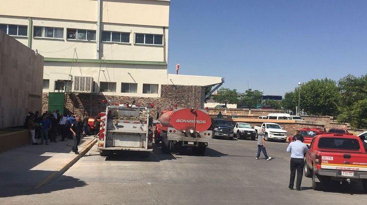 <p>Chihuahua, Chih.- Un reporte de incendio en la delegación del IMSS en el cruce de la calle Ortíz de Campos y Escudero movilizó a elementos