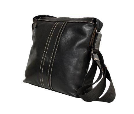 Luxusná kožená etuja – taška na doklady z vysokokvalitnej prírodnej kože. Obsahuje  vnútorné priehradky na doklady, peniaze alebo telefón. Taška na doklady s úchopom do ruky alebo za bočnú koženú rúčku.