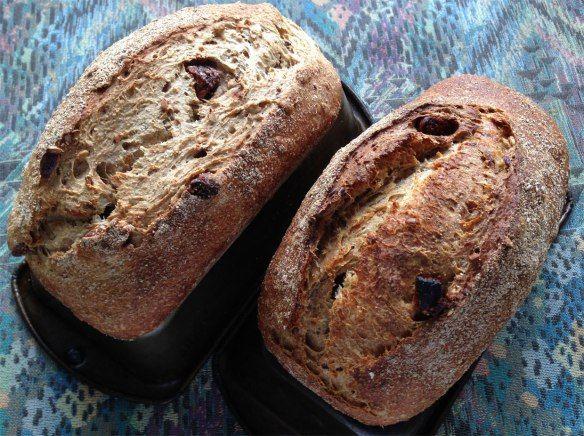 Pão Integral com Sementes e Figo por Miguel Winge Pão feito com sementes de linhaça, girassol, abóbora e figo seco. Massa de fermento natural, farinha de trigo integral, centeio e trigo branco. A R…