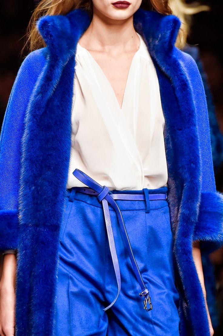 Fashion Show: Ermanno Scervino Fall 2015 | Синий-ультрамарин
