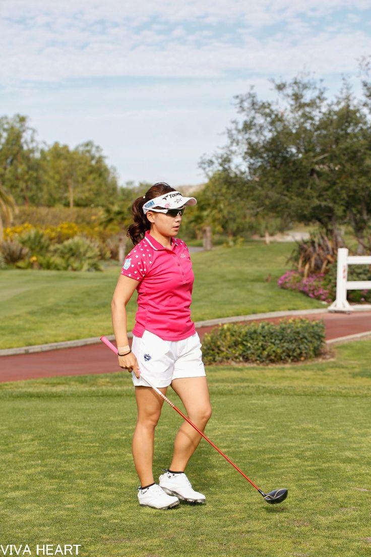 スカートの印象が強い有村プロだけど、 アメリカに渡ってからは、ショートパンツ姿も◎  www.vivaheart.com store.vivaheart.com