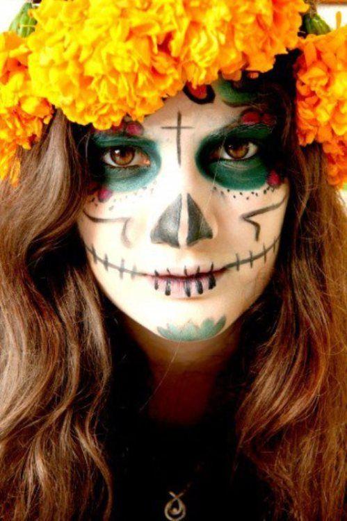 """cazadordementes: """"EL MÉXICO DE LOS MEXICANOS """"• Alucinacion de Copal: Reyna nos dice: """"Un alebrije es un ser con vida, porque viene de la naturaleza, por eso no hay que lastimar la pieza, hay que pasarle buena vibra"""" mientras decora serenamente la..."""