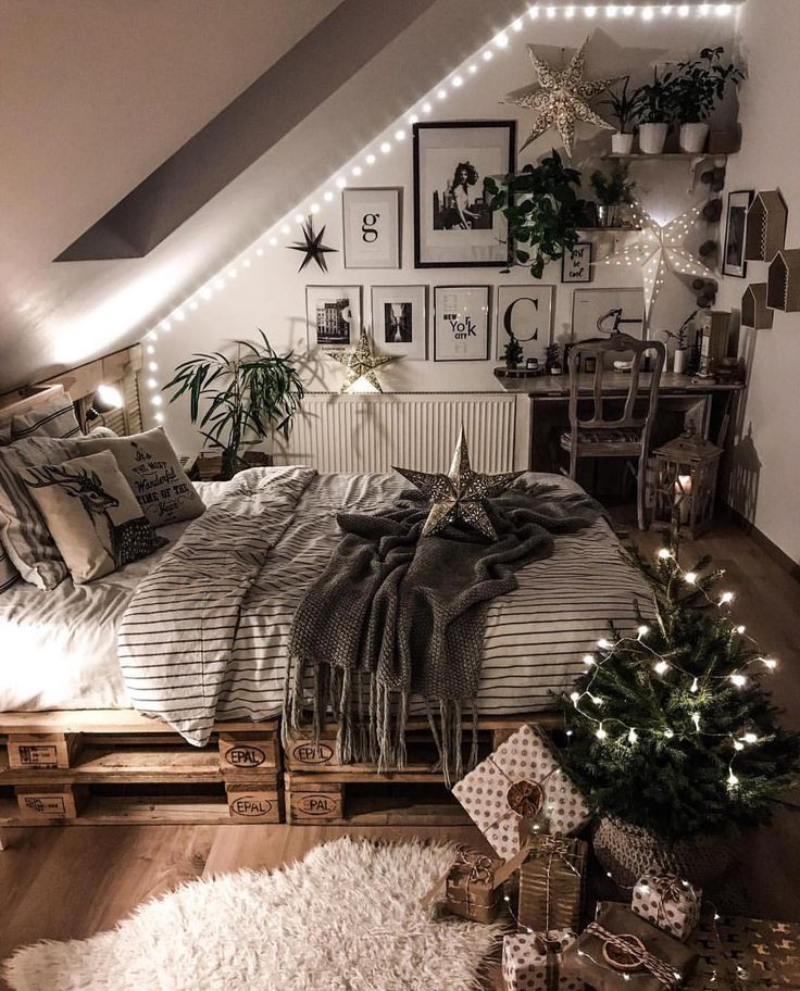 Christmas decor – bedroom
