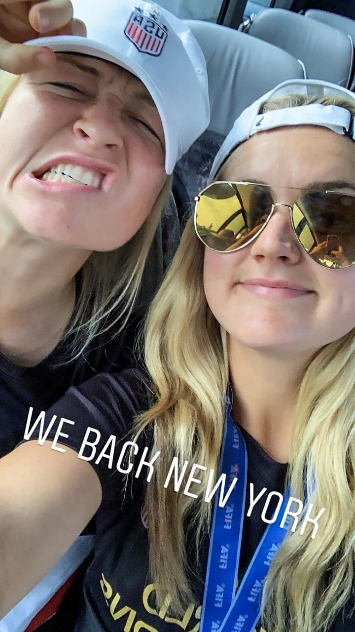Emily and lindsey horan uswnt arrive in new york