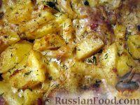 Фото к рецепту: Скумбрия с картофелем, запеченные под майонезом