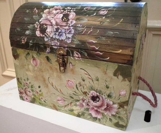 This trunk was painted by Sooka Kim; an ...