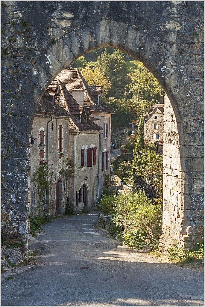 St-Cirq sur le chemin de Compostelle - France