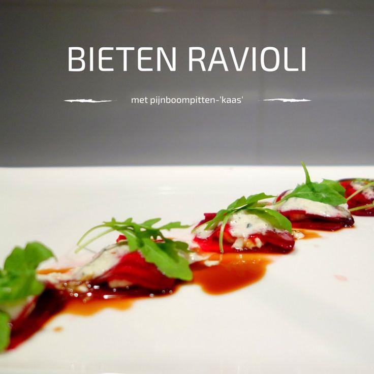 Als je er ook zo van geniet om te experimenteren met traditionele recepten, dan ben je met deze bieten ravioli aan het goede adres. Geen pasta op basis van tarwe, maar op basis van bieten. Zo simpel kan het zijn. Wil je eens iets verrassends op tafel zetten, dan raad ik je aan om het recept voor de bieten ravioli met balsamico azijn en zelfgemaakte 'kaas' eens als (voor)gerecht te gaan maken.