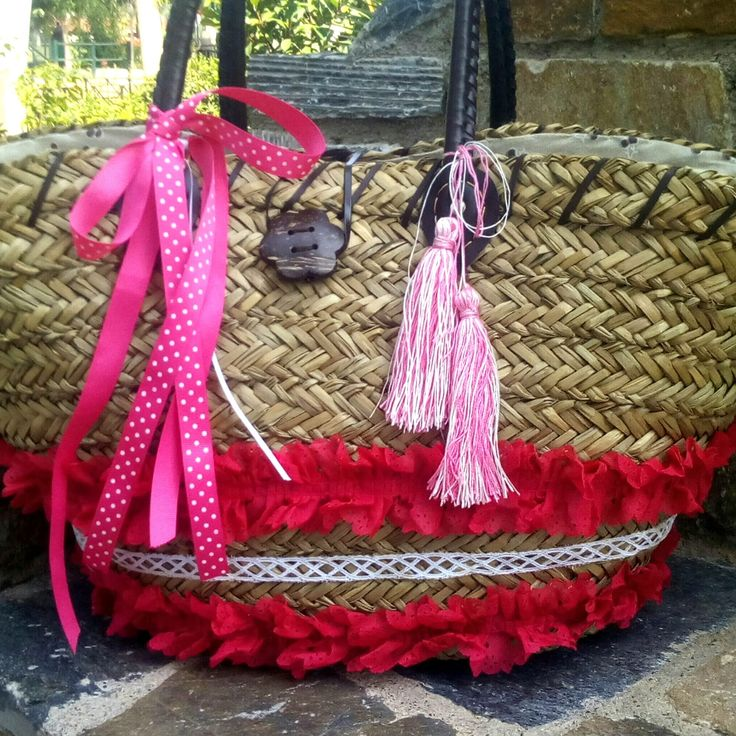 The pink straw bag