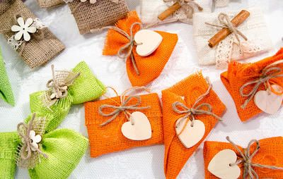 10 Natural DIY Wedding Favors That Your Guests Will Actually Use  https://www.rodalesorganiclife.com/home/best-natural-wedding-favors?utm_campaign=OrganicLife