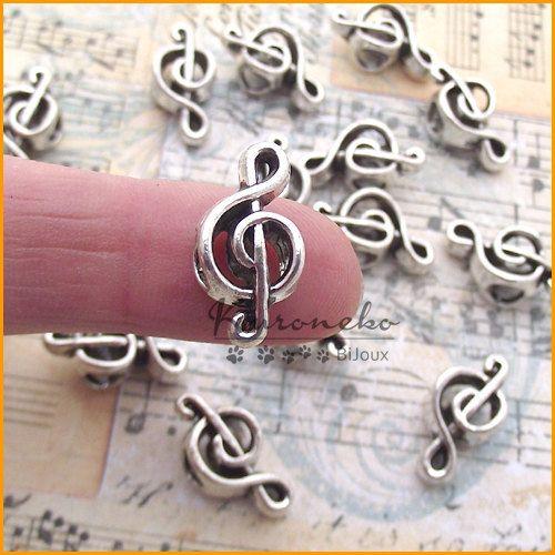 3 perle foro largo chiave di violino in metallo di KuronekoBijoux