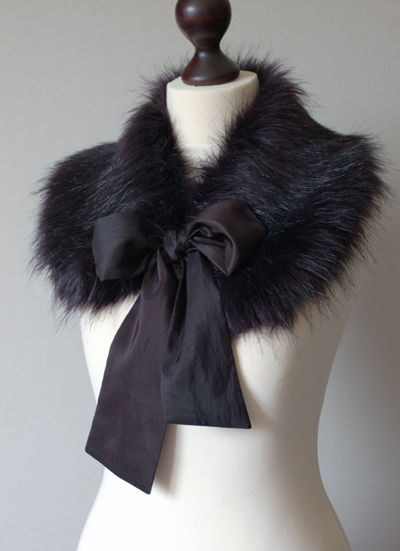 Faux fur collar.  Did it, love it!!