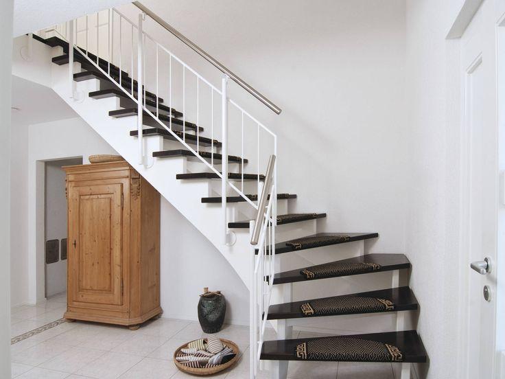 Treppe Im Einfamilienhaus R 111.20 Von Fingerhut Haus U2022 Mit Musterhaus.net  Inspirationen Für Tolle