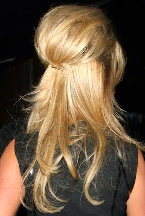 LOVING THIS BARDOT-ESQUE HALF UP / HALF DOWN 'DO… perfection for the weekend! Here's the how-to-do {works with bobs too!}… 1. Using a large-barrel curling iron, create loose curls around your head from your ears down. 2. Part your hair in the middle. Use your fingers to separate and loosen the curls. 3. Starting halfway …