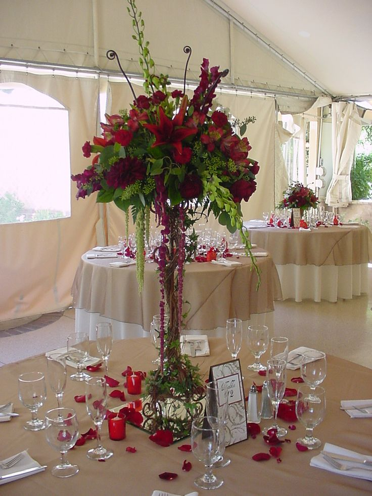 14 best images about wedding centerpieces on pinterest for Floral arrangements for wedding reception centerpieces