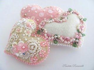 Sweet hearts. Oh yeah!: Idea, Felt Hearts, Pin Cushions, Fabrics Heart, Pink Heart, Beads, Pincushions, Valentine, Crafts