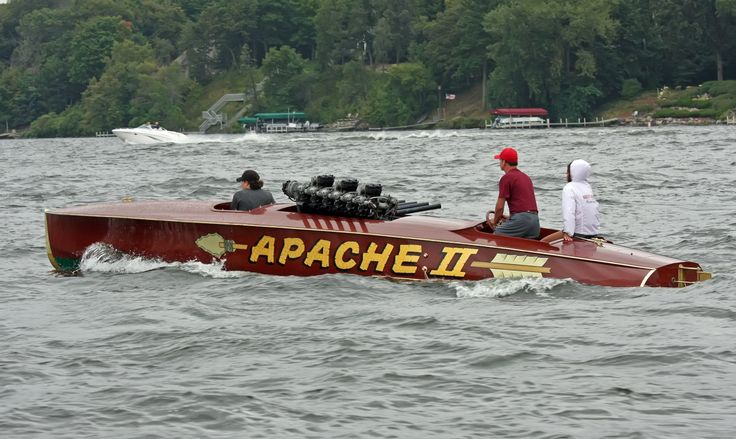 "http://www.woodyboater.com/blog/2012/08/26/classic-boats-tour-gull-lake-on-saturday-2012-is-bigger-and-better-than-ever/  ""Apache II"" – This spectacular 1922 29′ Hacker-Craft Gentlemen's Raceboat. This boat was raced on Lake Tahoe in the 1920's & 1930's in the annual Tahoe Power Boat Club (later the Tahoe Yacht Club) Regattas."