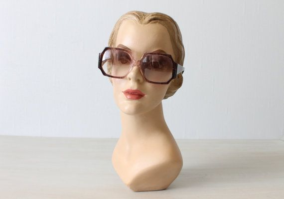 Vintage Sunglasses / 1970s Sunglasses / Designer Sunglasses /