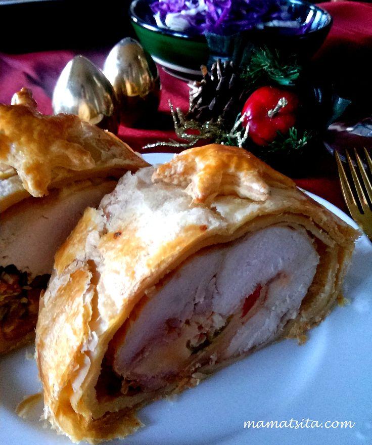 Festive chicken roll #greekfood #xrisizimi #delicious #foodie #mamatsita