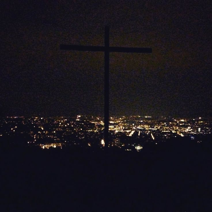 Monte scherbelino #run0711 #running #fuckmondays #citylights #topofthemountain #montescherbelino #12k #proud #summitcross #seaoflights #instafit #pictureoftheday