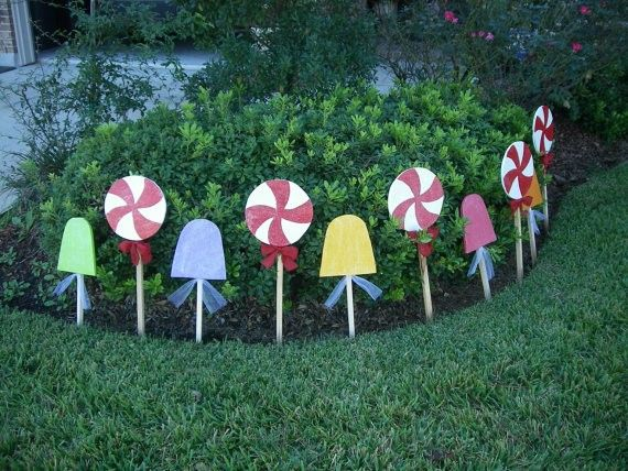 Candy Lane Yard Stakes Great Idea For A Gingerbread House