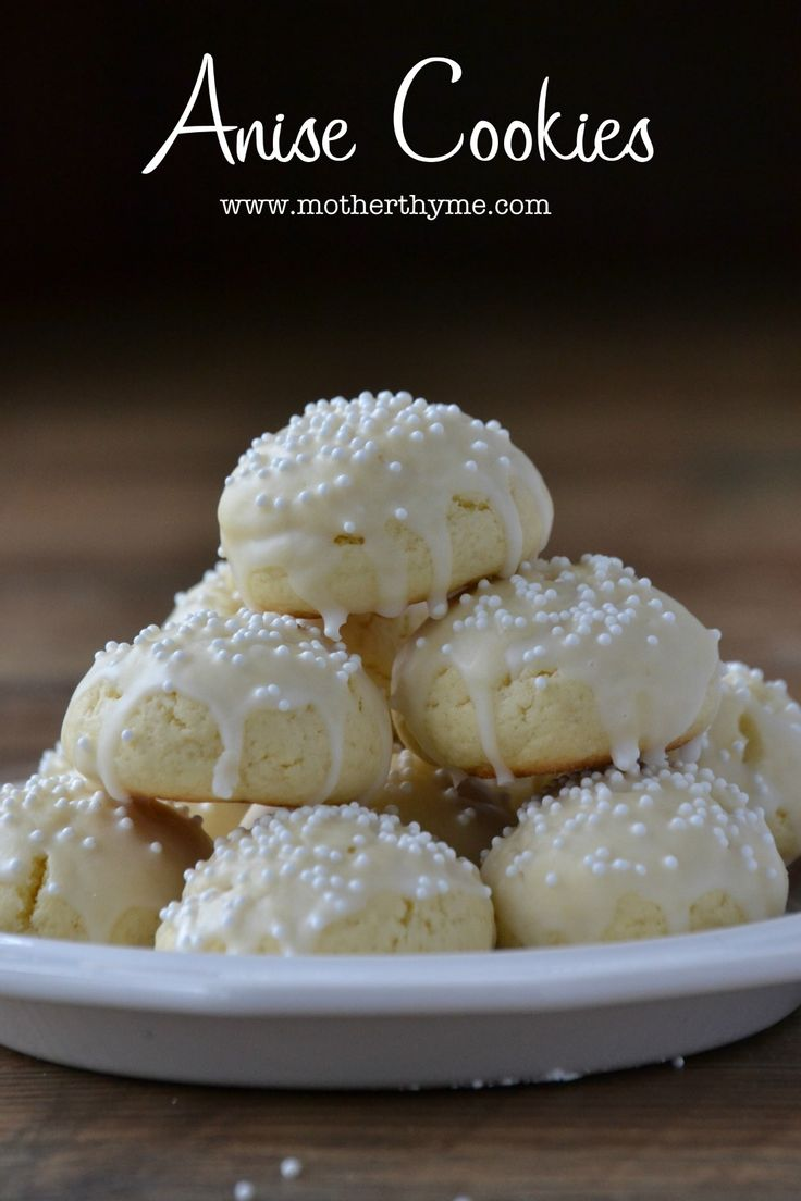 anise cookies   http://www.motherthyme.com/2012/12/anise-cookies.html#