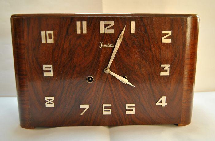 Junghans - tafel klok - Art Deco periode - de jaren 1920 / 40s  Junghans tafel klok - Art Deco-periode - jaren 1920 / 40s.Monteur - 6 dag verkeer - innerlijke opvallende verkeer - tubular bells - 1/2 uur en 1 uur tijdsinterval.Werken.Afmetingen:Breedte 33 cmhoogte 20.8 cmdiepte 13 cm.Opladen sleutel (inbegrepen).Verzekerde verzending.  EUR 15.00  Meer informatie
