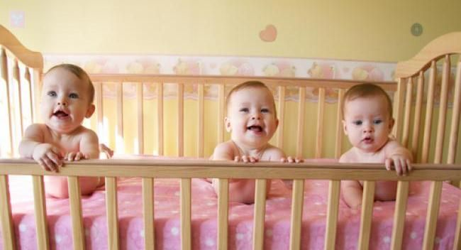 If you love weird facts, here's 8 weird facts that you maybe didn't know about babies. Read on to find out more about what makes babies unique from the rest.