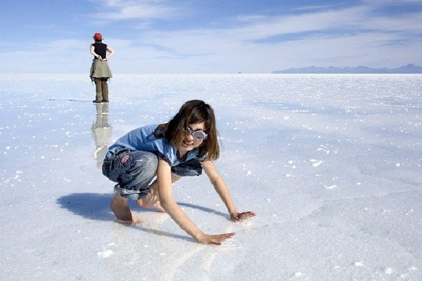 Salar de Uyuni Desert - Bolivia-Most Fascinating Deserts