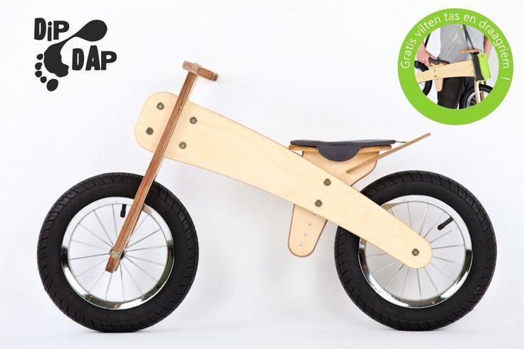 DipDap luxe houten loopfiets set groen - antraciet  Loopfietsen van DipDap is een houten constructie gecombineerd met stalen montage delen. De hoogst haalbare kwaliteit welke op dit moment verkrijgbaar is in zijn branche.