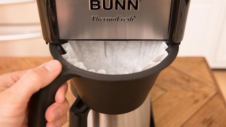 Have you been hustling around every morning for the best coffee before you get to work? I know how tricky it is to chase the accuracy in timing especially when you have duties to attend to that early morning. Here is the best solution for you. Here you'll find a Bunn coffee maker reviews, which is of Bunn Velocity Brew BT 10-cup home brewer. http://coffeemakerguy.com/