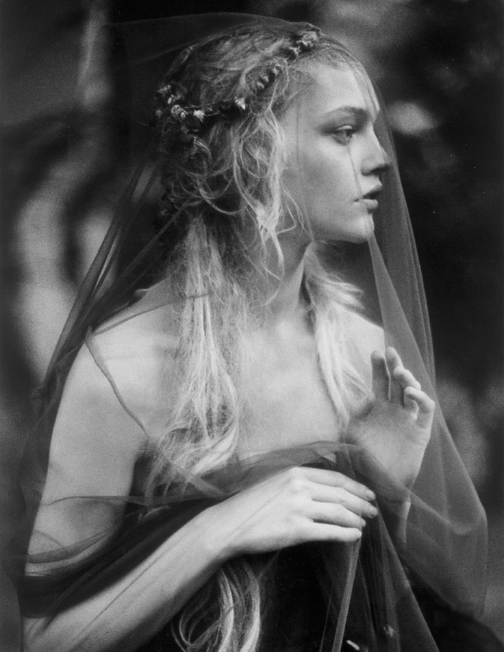 'Enchanted Gardens' Sasha Pivovarova by Paolo Roversi for Vogue India October 2007