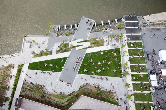 The Edge Park on the Williamsburg Waterfront in New York City by W Architecture & Landscape