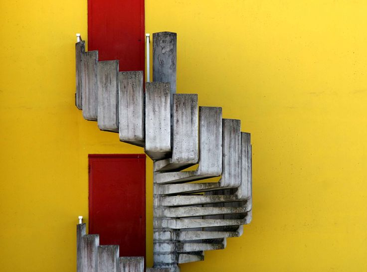 Staircase, Oyonnax, France [1280x950]