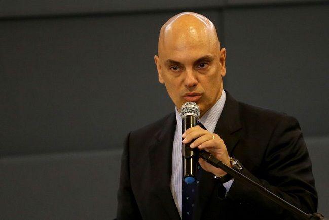 Ministros fazem a festa nos aviões da FAB. Campeão é Alexandre Morais