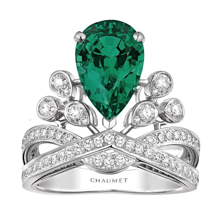 """Aigrette Impériale"" #Ring from ""Joséphine"" #Chaumet - #FineJewellery collection in #Platinum set with one 2,56 carat #PearCut - #Emerald from #Colombia and 72 #BrillantCut diamonds july 2015"