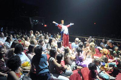 Vara da Infância e da Juventude promove tarde de lazer no Circo Tihany