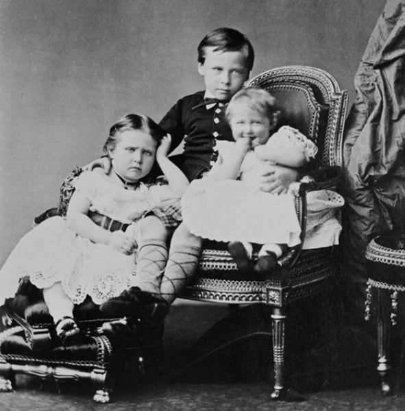 Princesses Alix and Marie with their elder brother, the future Grand Duke Ernst Ludwig of Hesse-Darmstadt. May 1875