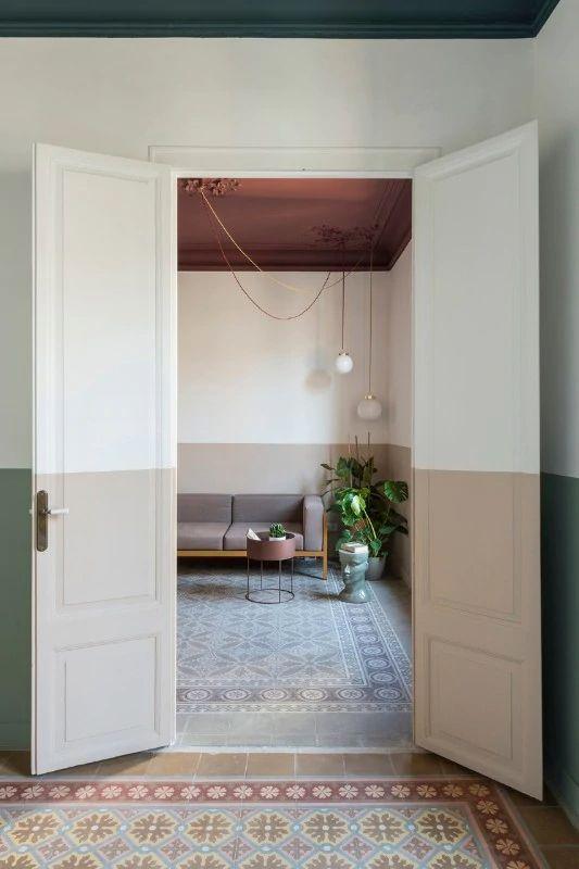 Il Colore Protagonista Di Casa Klinker Di Colombo And Serboli Architecture In 2020 Interior Architecture Design Interior Built In Furniture