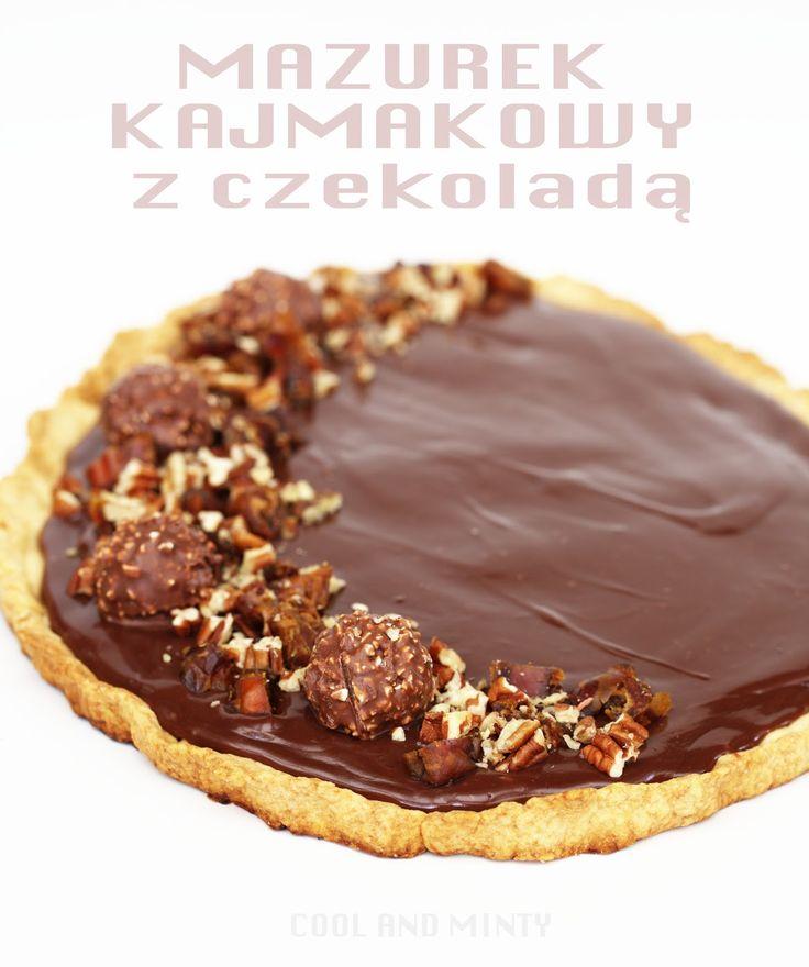 Pyszny mazurek kajmakowy z czekoladą, orzechami i daktylami. Na cieniutkim, maślanym spodzie, który zawsze się udaje, a po upieczeniu ro...