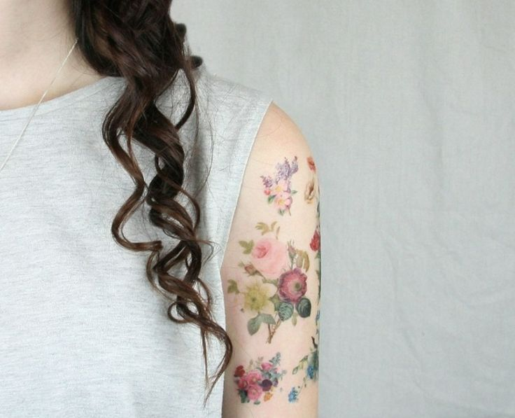blumen tattoo motive oberarm schulter frau half sleeve tattoos pinterest. Black Bedroom Furniture Sets. Home Design Ideas